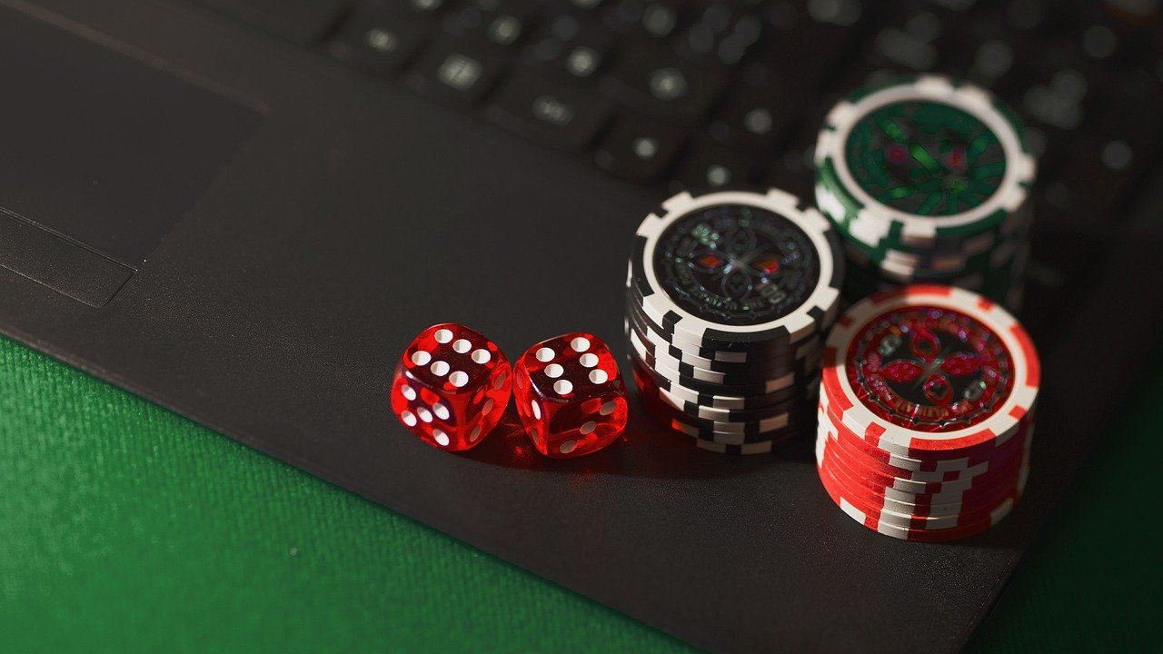 What Are The Economic Benefits Of The Online Casino